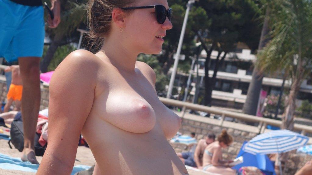 Voyeur Beach Compilation Jerk 1